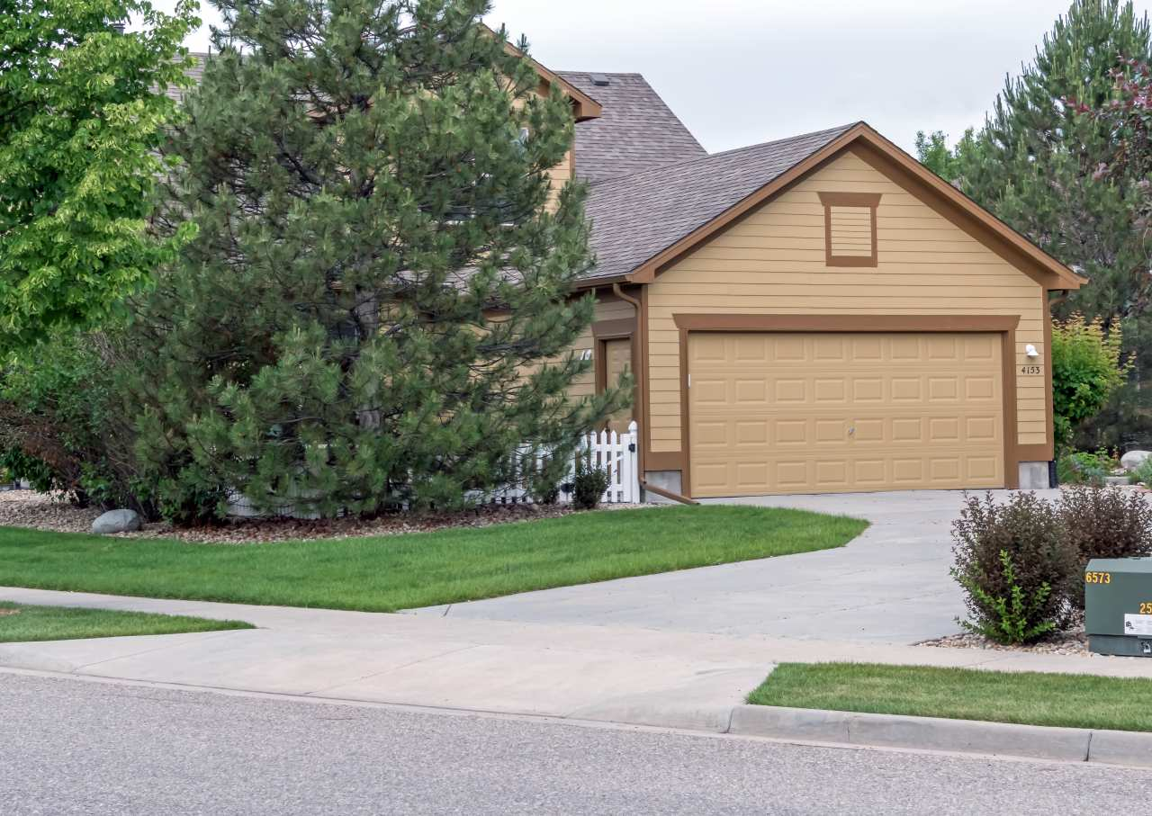 4153 Plum Creek DR- Garage View